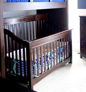 Espresso baby crib by Bella Vita( Peyton model) includes toddler and full conversion kit for Sale in Belleville, IL