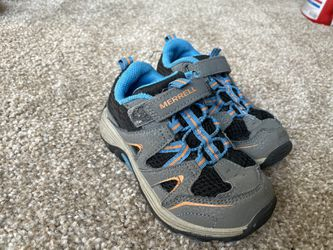 Merrell Hiking Toddler Shoes 9W for Sale in Meridian,  ID
