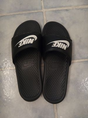 Nike sandals for Sale in Riverside, CA