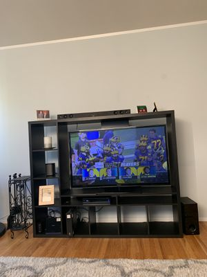 Beautiful TV Stand & Wall Unit for Sale in New York, NY
