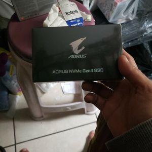 Aorus NVMe Gen4 SSD 1Tb for Sale in Las Vegas, NV