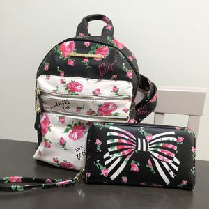 Betty Johnson Backpack + Wallet Set for Sale in Los Angeles, CA