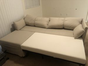Queen size sleeper sofa for Sale in Sacramento, CA