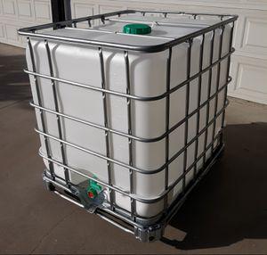 275 gallon water tank *food grade* IBC tote totes pressure washer mobile car wash detail auto detailing hydroponics aquaponics rain barrel barrels for Sale in Chatsworth, CA