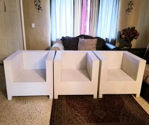 Kannoa Tangier Outdoor/ Event Furniture (3pcs.) for Sale in Miami, FL