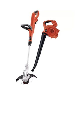 Black decker weed whip and leaf blower for Sale in Dearborn, MI
