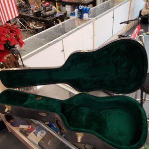 Martin hard shell Guitar Case nice for Sale in Aurora, CO