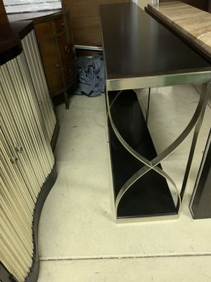 Bernhardt side table sofa table for Sale in Sierra Madre, CA