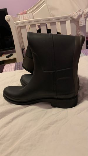Waterproof boots for women size US 7M for Sale in Newton, MA