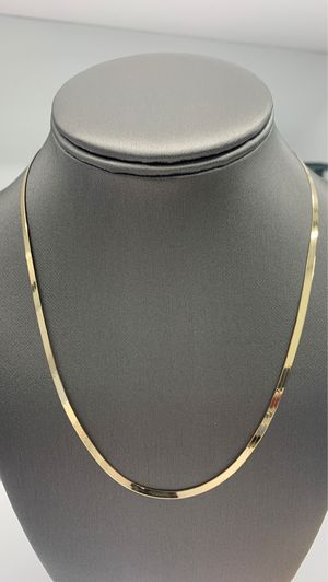 "10kt yellow gold herringbone chain 18"" 3mm for Sale in Los Angeles, CA"