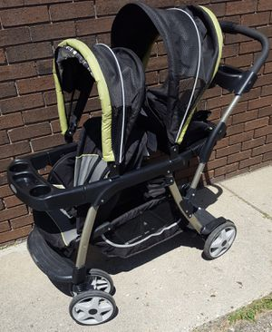 Graco Snugride Click Connect Ready2Grow Double Sit n Stand Stroller for Sale in Farmington Hills, MI