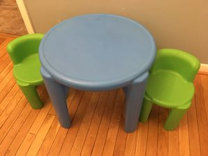 Little Tikes Bright 'n Bold Table & Chairs, Green/Blue for Sale in Woodbridge Township, NJ