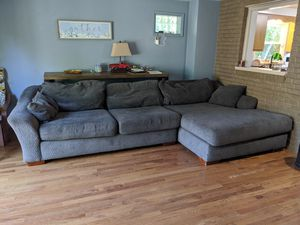 Huge comfy couch / sectional (Price negotiable!) for Sale in Fair Oaks, PA