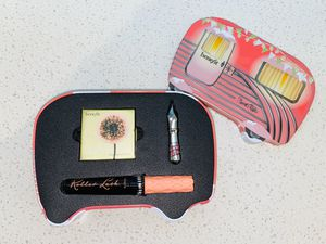 Benefit Cosmetics Limited Edition makeup set for Sale in Hollywood, FL