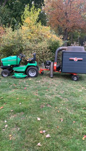 Tractor and leaf vacuum for Sale in Dearborn Heights, MI