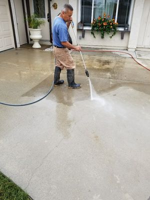 Concrete cleaning rust stains oil paint pool. decks drive ways patio covers 50 cents sqf. but can t do no more 500 dlls for Sale in Santa Ana, CA