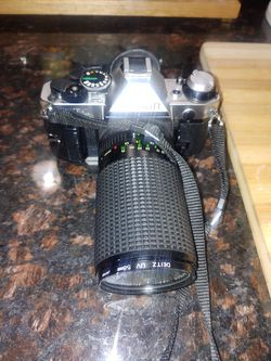 Vintage Canon AE-1 Program 35mm SLR Camera for Sale in Antioch,  CA