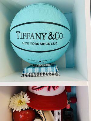 Tiffany & Co Spalding Basketball Ball for Sale in Palos Verdes Estates, CA