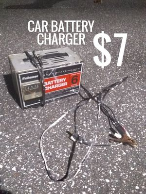 CAR BATTERY CHARGER for Sale in Holly Hill, FL