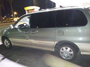03 Kia sedona for Sale in Phoenix, AZ