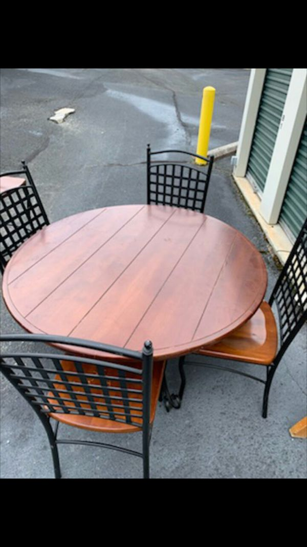 Kitchen table and chairs set. 5 pieces.