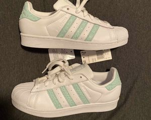 Adidas Women's Superstar White Supplier Cloud White size 8 W for Sale in Los Angeles, CA