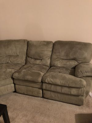 Recliner love seat for Sale in Tampa, FL