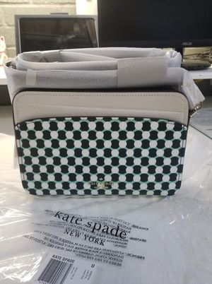 Authentic Kate Spade crossbody purse (new with tags ) for Sale in Lincoln Acres, CA