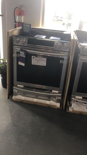 "New Samsung 30"" Freestanding Stainless Steel Electric Range - Glass Top 🔥 39$ Down for Sale in Houston, TX"