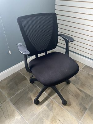 Desk chair for Sale in Marlboro Township, NJ