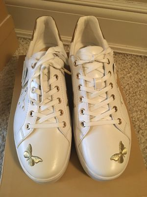 Michael kors sneaker size 8.5 brand new in box for Sale in Great Neck, NY