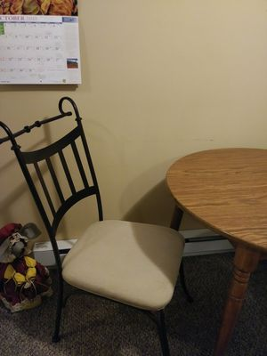 Table and 2 chairs for Sale in Buckhannon, WV