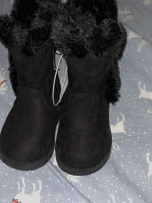 Baby girls winter black boots size 4 for Sale in Bloomington, CA
