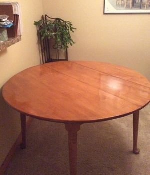 Kitchen Table & 4 Chairs for Sale in Everett, WA