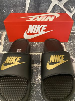 Brand new Nike benassi BLACK AND GOLD!! Size 11!!New in box for Sale in Minnetonka, MN