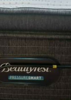 Beautyrest PressureSmart Plush Pillowtop Twin Mattress for Sale in Seattle,  WA