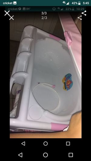 Bath n changing table for Sale in Phoenix, AZ