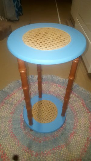 Cute refurbished plant stand for Sale in Peoria, IL
