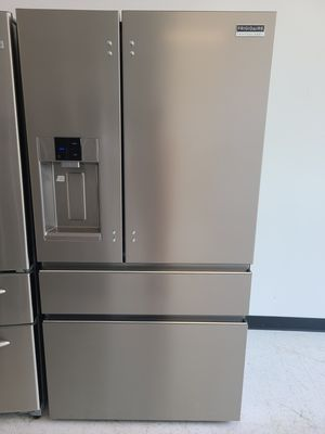 Frigidaire stainless steel 4-doors French door refrigerator new with 6 month's warranty for Sale in Mount Rainier, MD