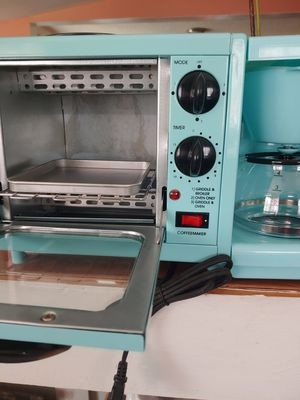Oven with coffee maker for Sale in Compton, CA
