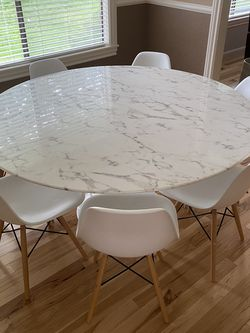 Lippa Round Marble Table for Sale in Vancouver,  WA