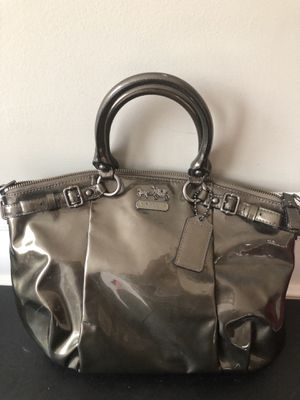 Coach Authentic Patent Leather Satchel w/Shoulder Strap for Sale in Buford, GA
