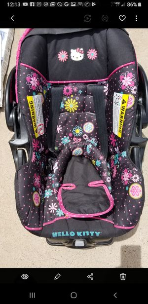 BEAUTIFUL CAR SEAT HELLO KITTY AND CARRYING SEAT. for Sale in El Paso, TX