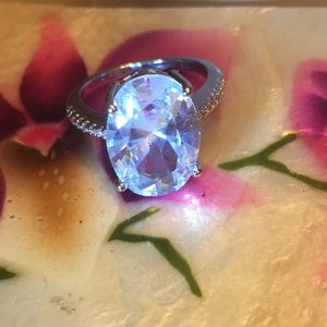 Sparkly Costume Ring Size 5. New for Sale in Beverly Hills, CA