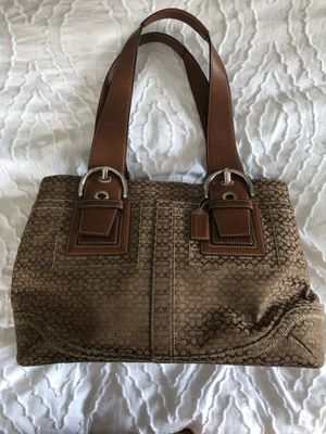 Coach shoulder handbag, Brown for Sale in Grosse Pointe Woods, MI