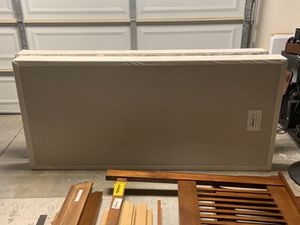 King Box Spring in Great Shape for Sale in Chula Vista, CA
