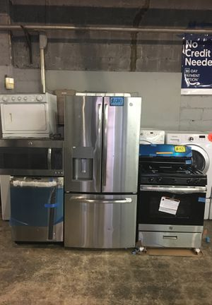 NEW 4PC GE APPLIANCE KITCHEN SET for Sale in Baltimore, MD