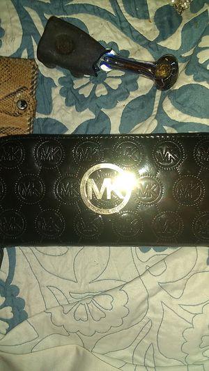 Michael kors women's large wallets for Sale in Denver, CO