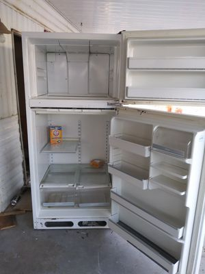 Cold working fridge $25 OBO for Sale in Sun City, AZ