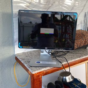"""Monitor 22""""HP for Sale in Fort Lauderdale, FL"""